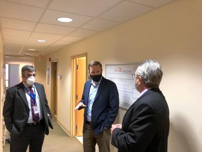 Murphy visits Manchester health center