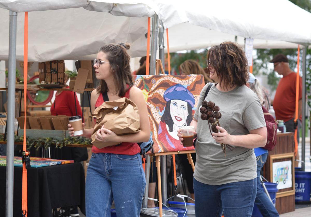 Shoppers browse at Lincoln Arts Festival