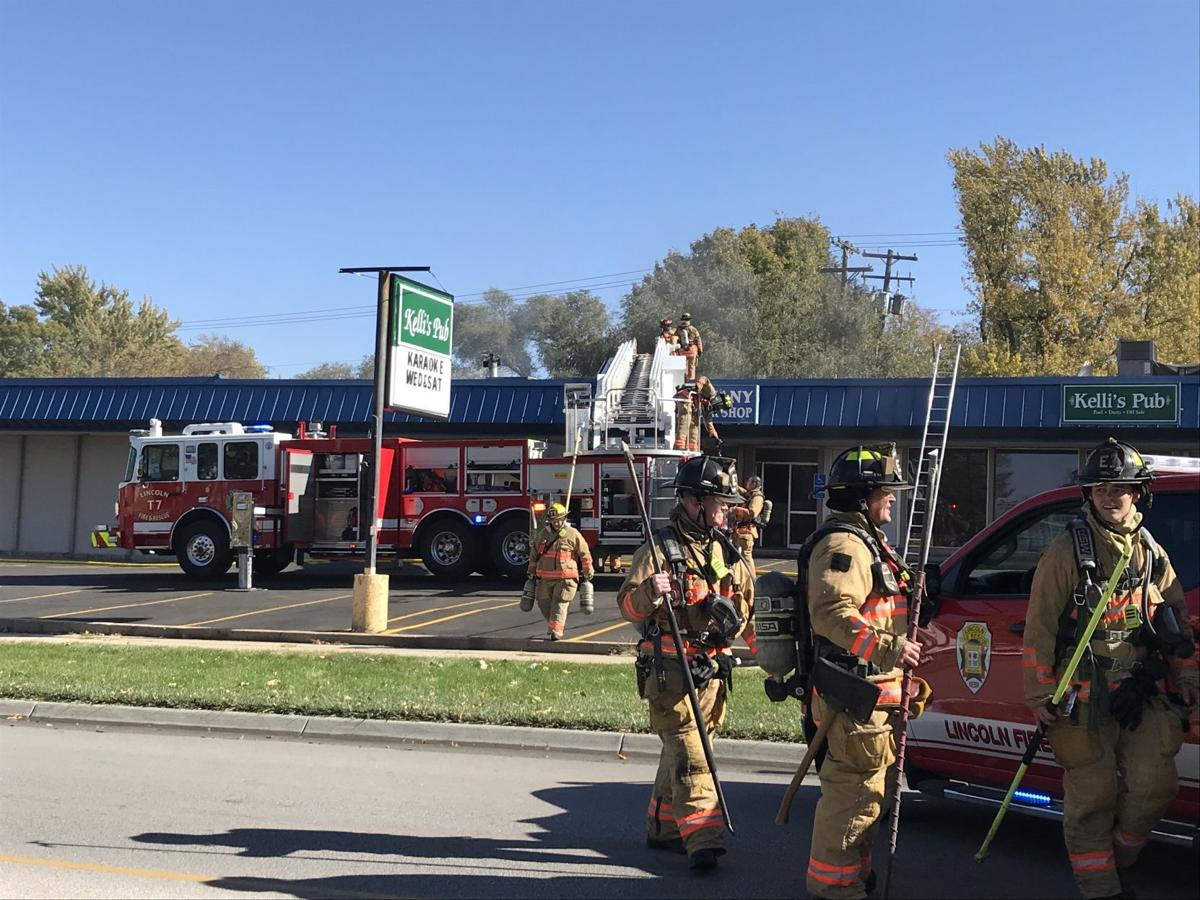 Crews respond to fire in north Lincoln strip mall