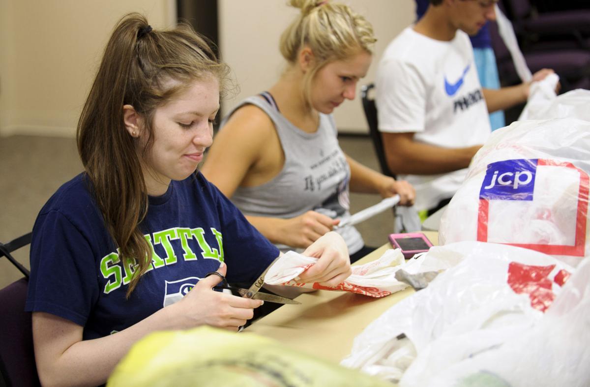 University Project Serves Homeless Teaches Students Local Journalstar Com