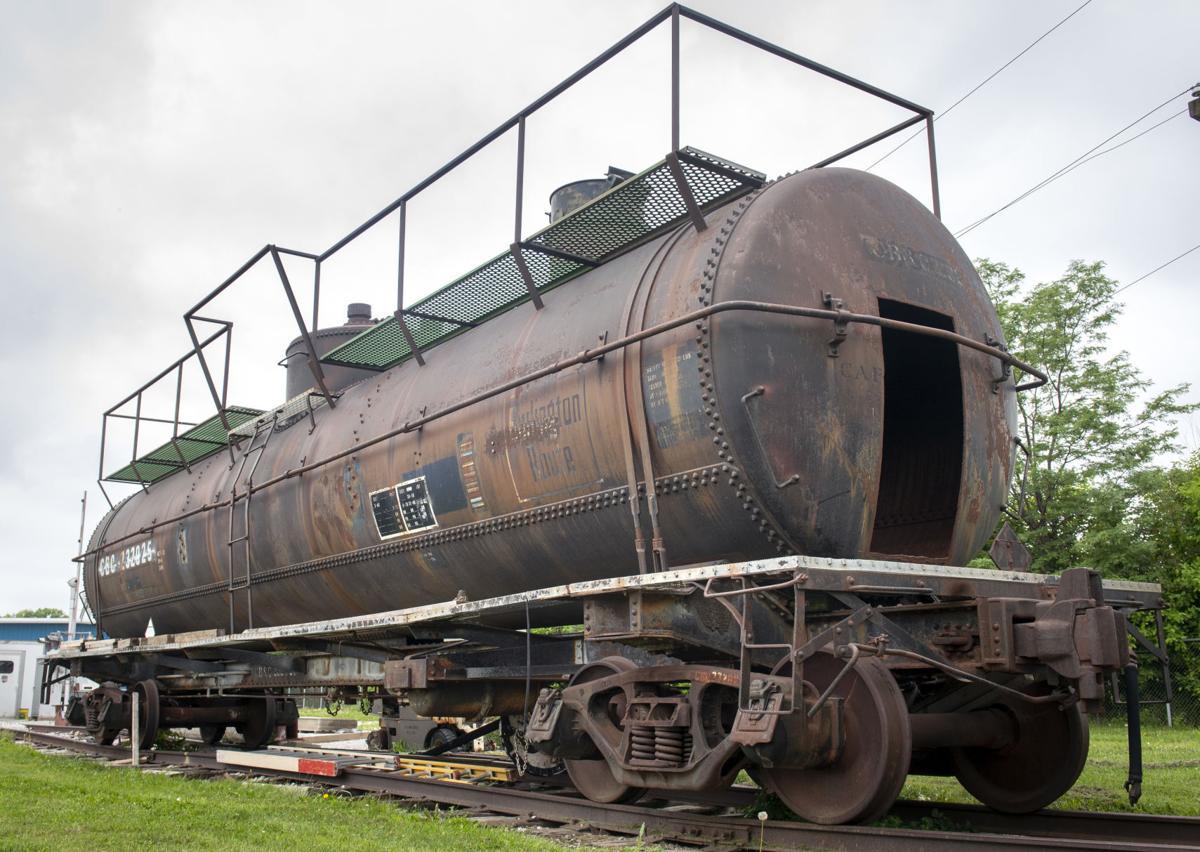 Old rail cars, 7.16