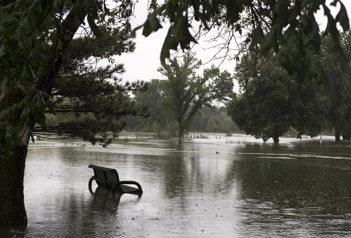 Holmes Lake flooding