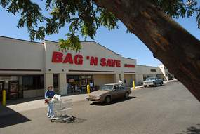 Bag N Save At 4615 Vine St In Lincoln Will Be Closing Soon According To Its Local Manager The Owners Could Not Reached For Comment Robert Becker
