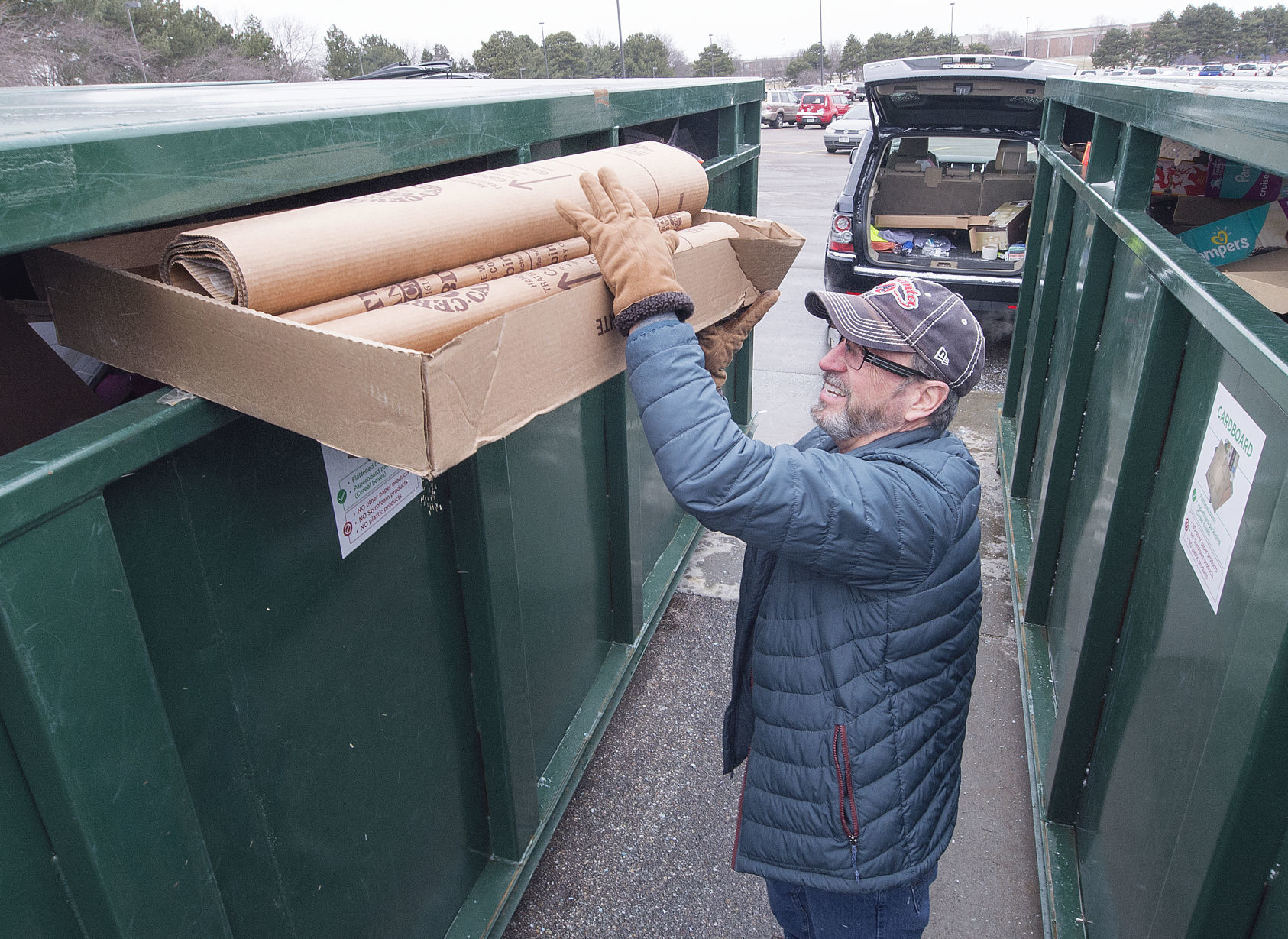 City replaces two closed recycling sites   Journal Star