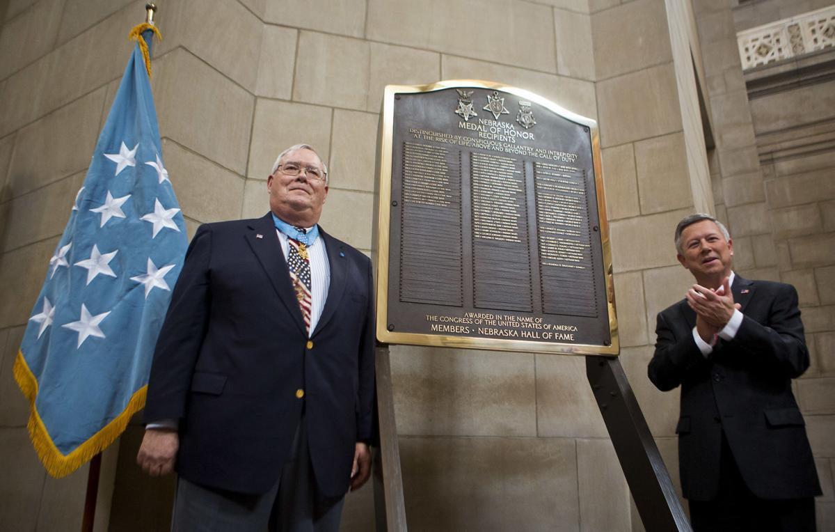Plaque honoring Nebraska's Medal of Honor recipients unveiled at Capitol