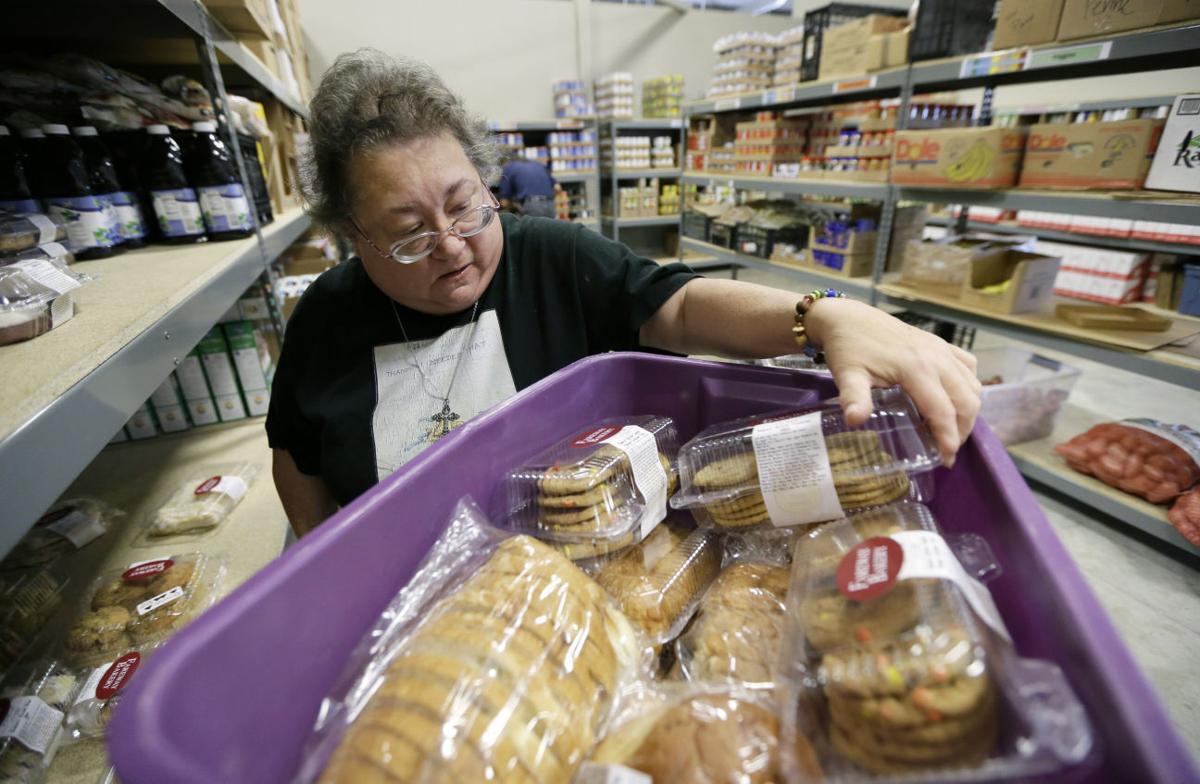Food Pantry Volunteer Des Moines Iowa