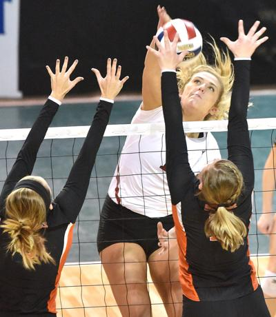 Union vs Hastings NAIA volleyball