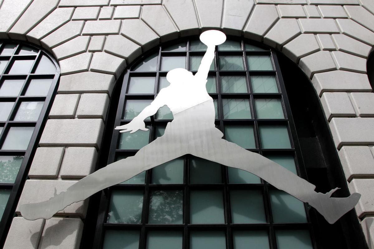 Suh to bring nike store to lincoln local business news for Lamp and lighting warehouse lincoln ne
