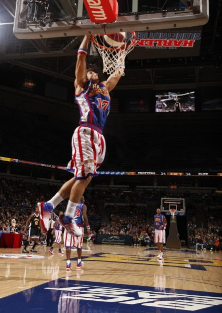 Tucker S Amazing Leaping Ability Leads Globetrotters