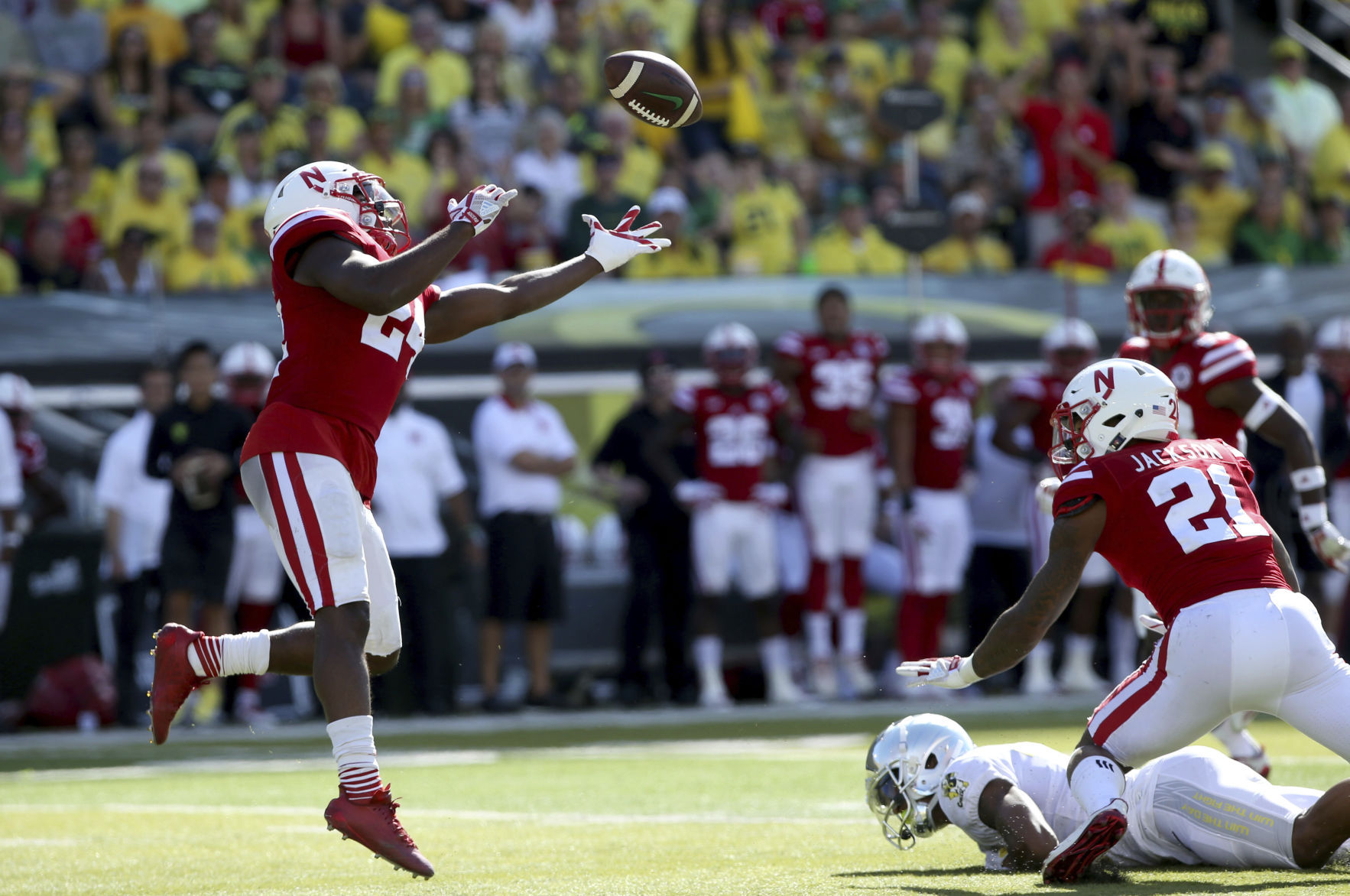 Second-half transformation not enough as Huskers fall in Oregon