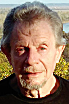 Dennis Frank Macek