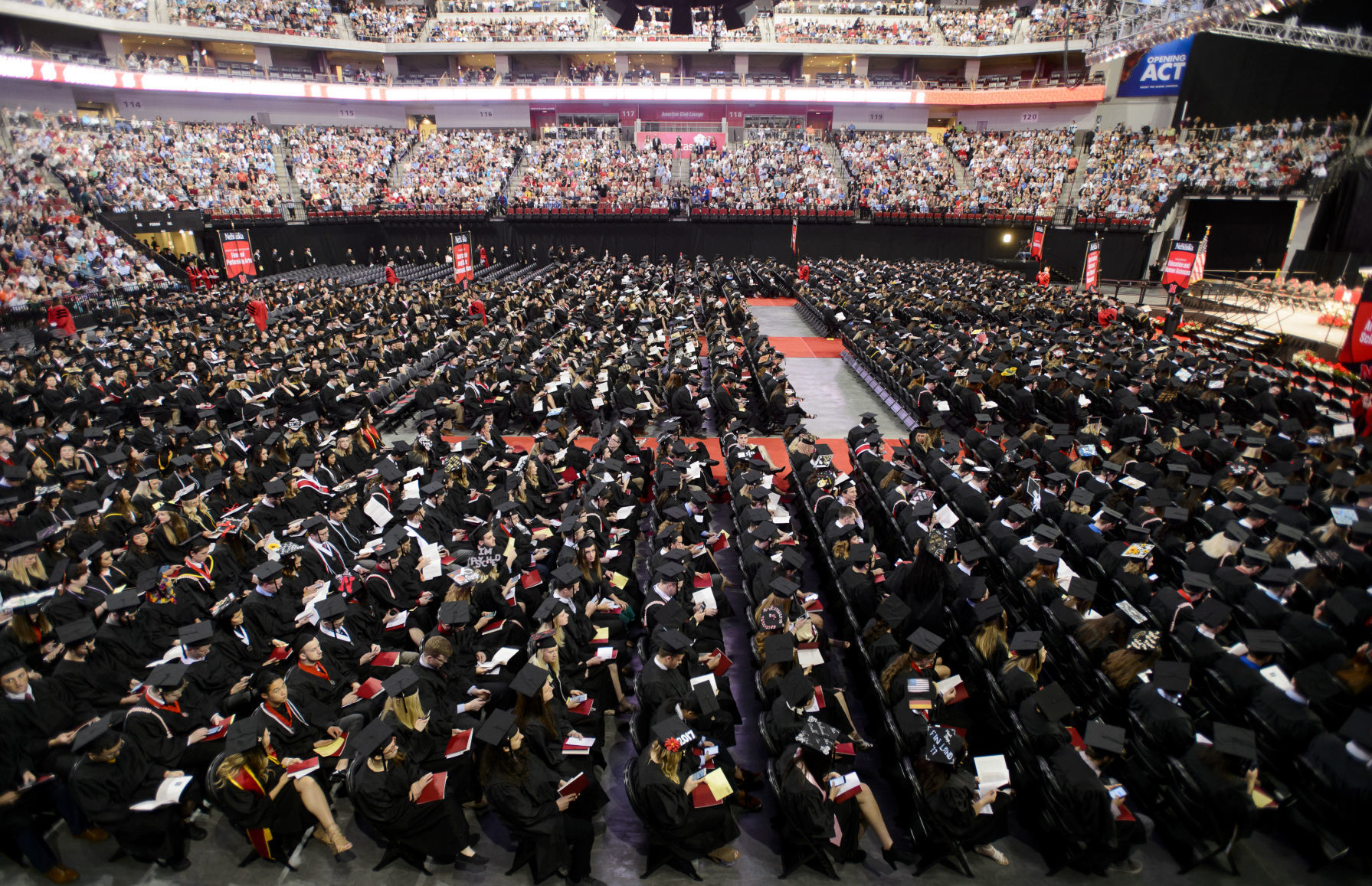 Airbnb predicts record stays for UNL graduation | Journal Star