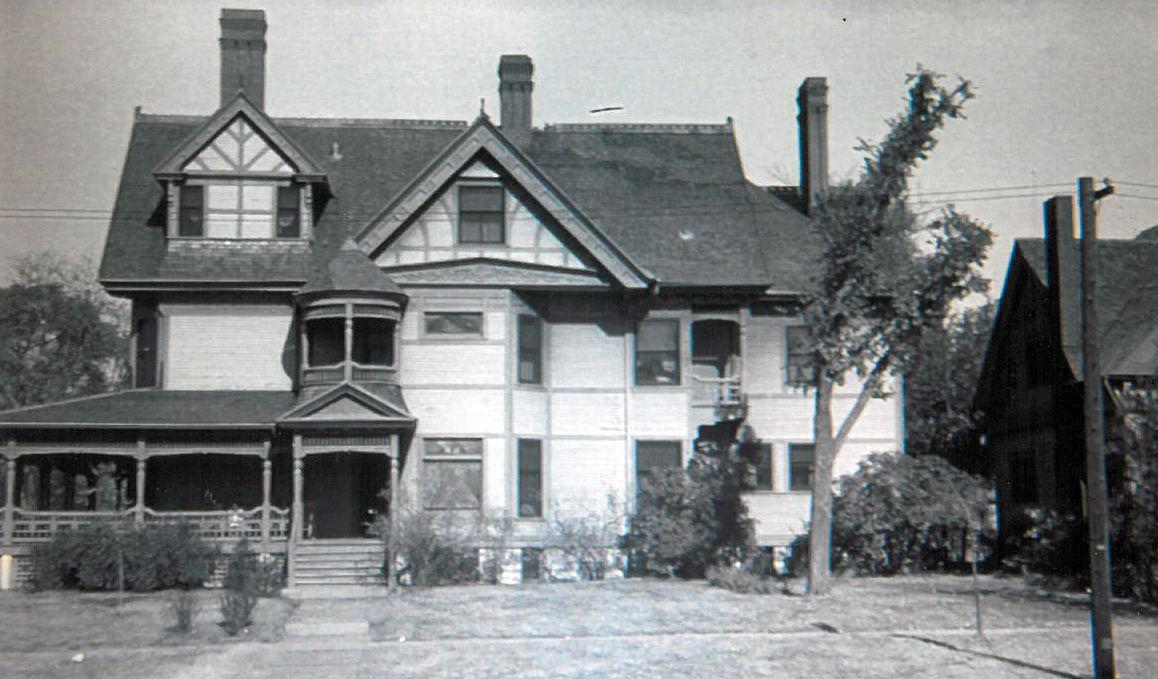 Hurlbut/Yates House (1942)