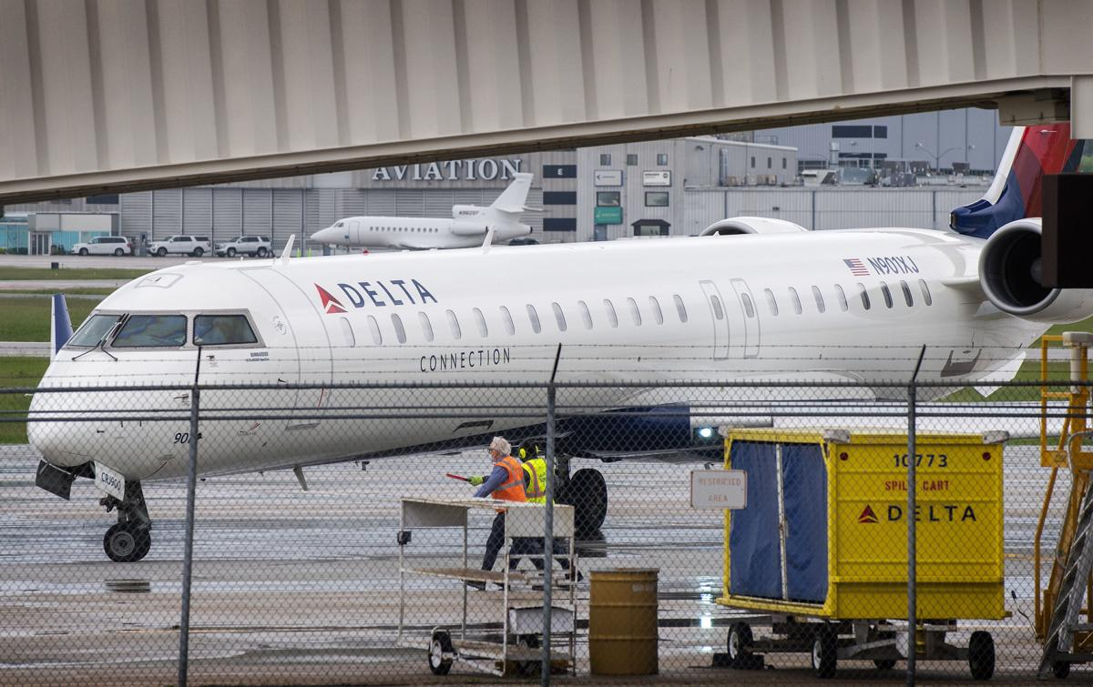 Delta Cutting Service to Lincoln Airport, 5.26