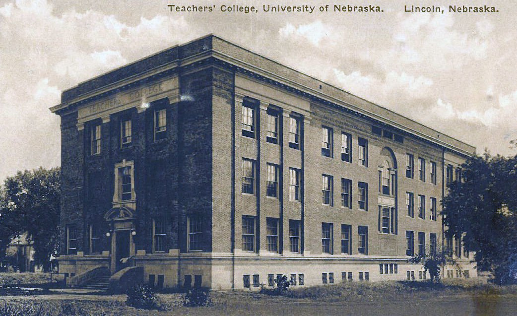 Very Nice! 1941 University of Nebraska Cornhusker Yearbook