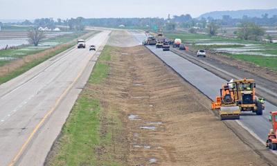Flood-damaged Interstate 29 reopens but link to Nebraska 2