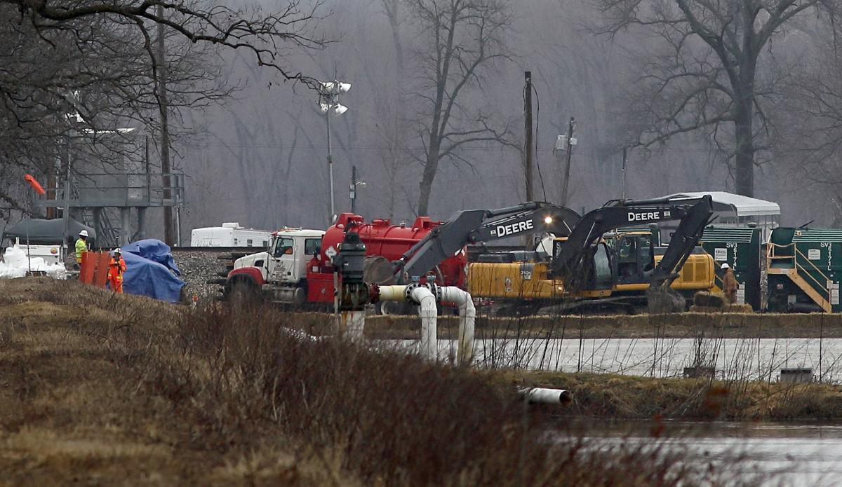 Pipeline leaking oil in St. Charles County