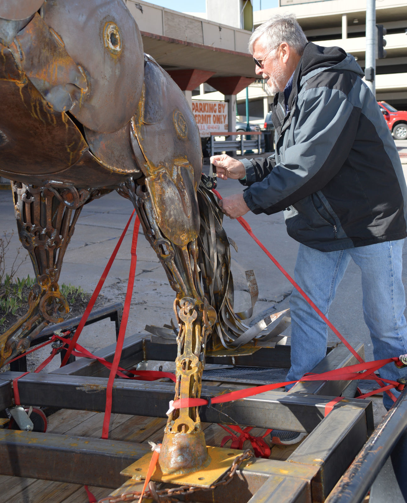 Artist Kuzara Creates Life Size Rearing Horse From Old Metal Pieces Visual Art Journalstar Com