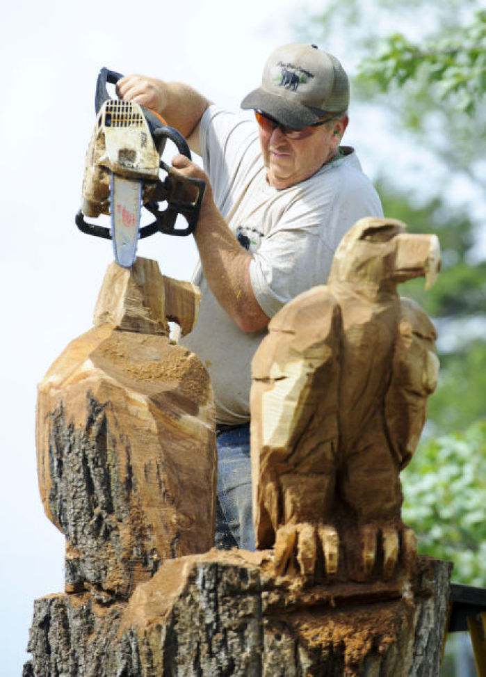 Photos Chainsaw Carving In Milford Gallery