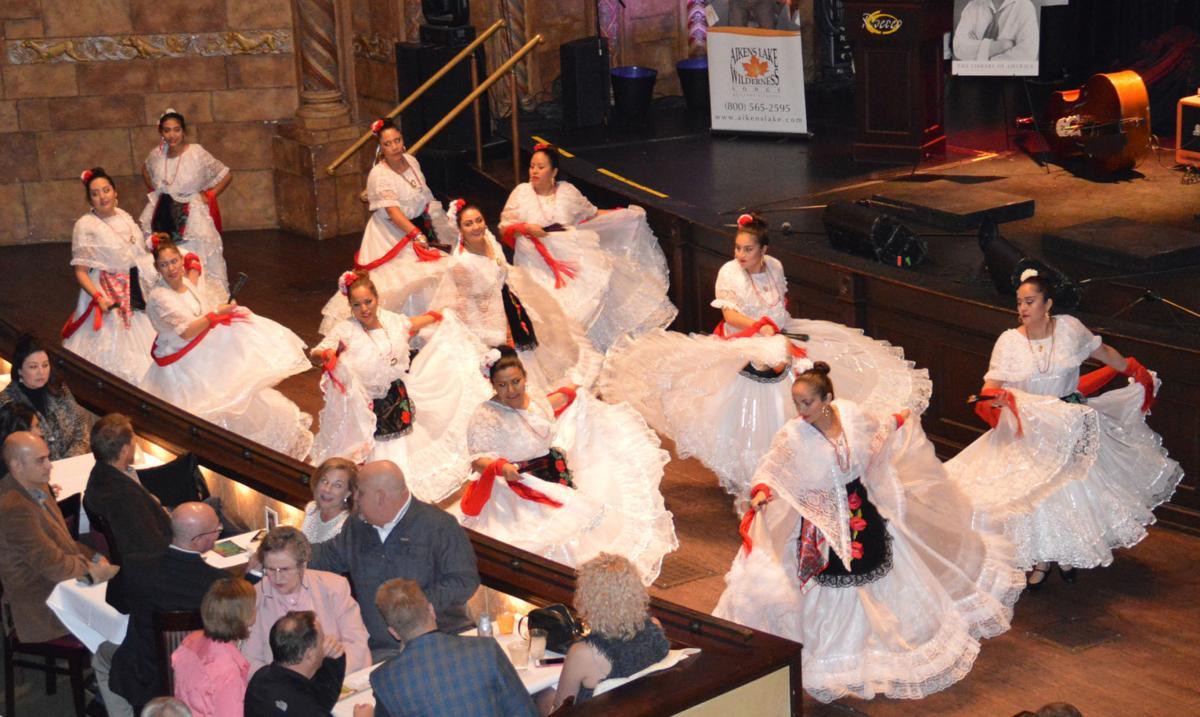 Viva Mexico folkloric dancers