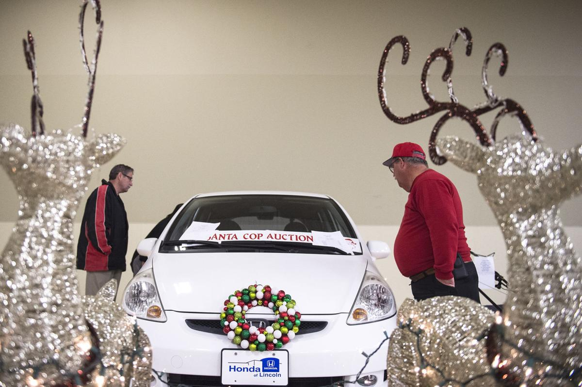 Hundreds Turn Out For Lincoln Police Union S 27th Annual Santa Cop