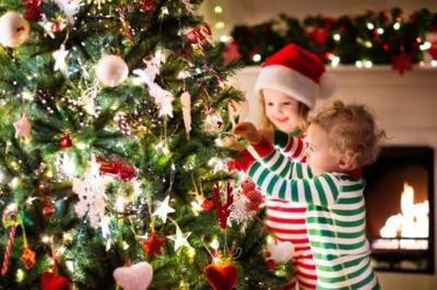 hallmark is giving away keepsake ornaments and a christmas treeheres how to enter