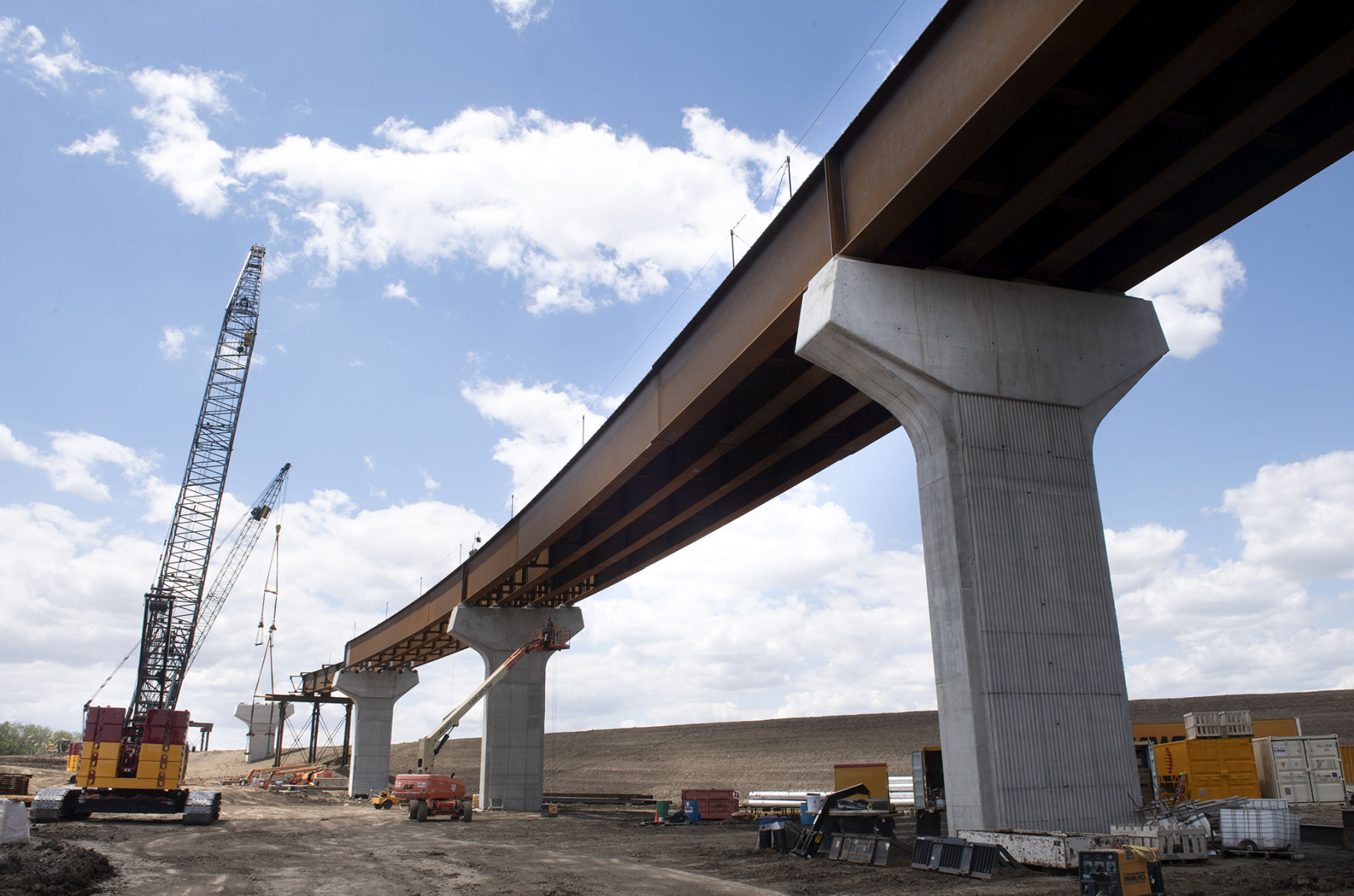 journalstar.com - Peter  Salter - Looming large: On 11-mile construction site, bridge at end of South Beltway rises