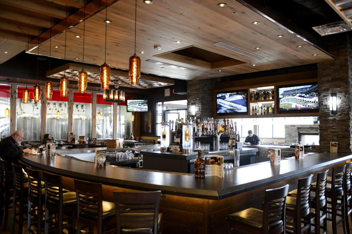 Review Granite City Bigger Better In New Digs Dining