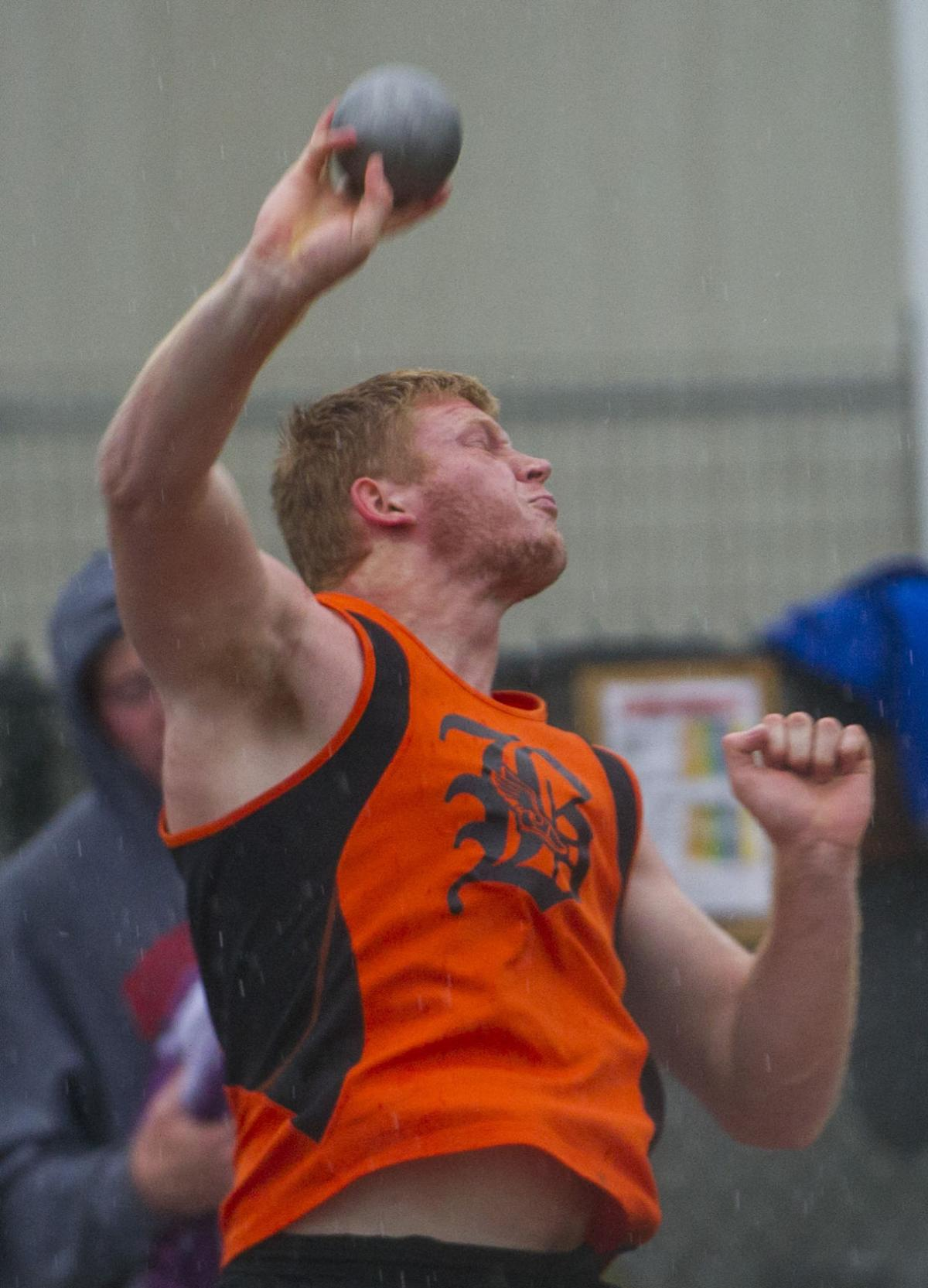 State Boys Track Notebook Lincoln Has Another Boys Pole Vault Champ In Southeast S Cauble