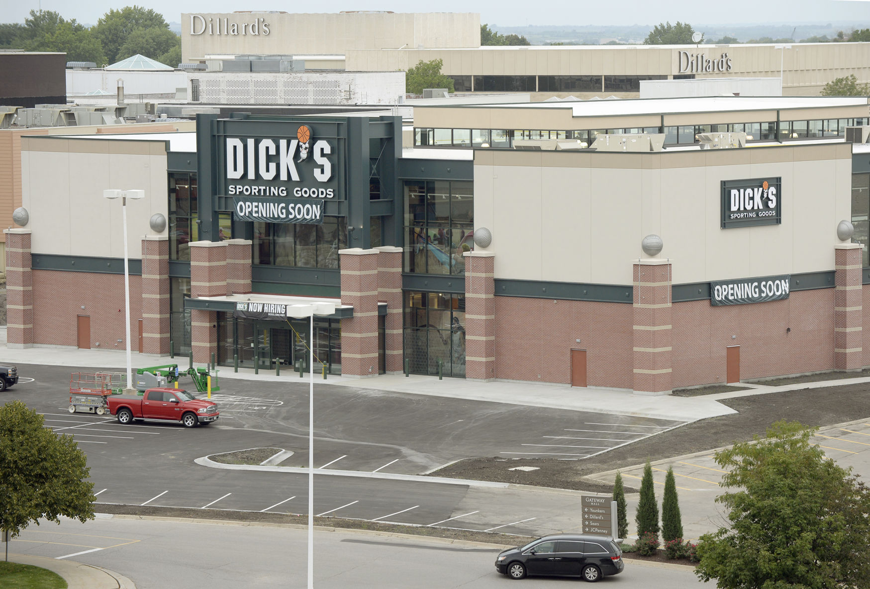The Cleveland Research Downgrades Dick's Sporting Goods Inc (DKS) to Hold
