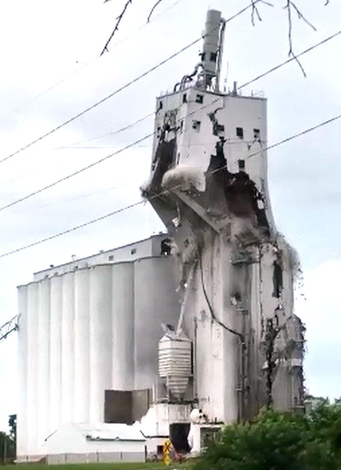 Andersen Farms elevator demolition