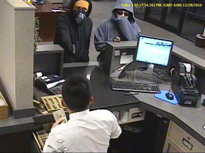 Police release images of bank ...