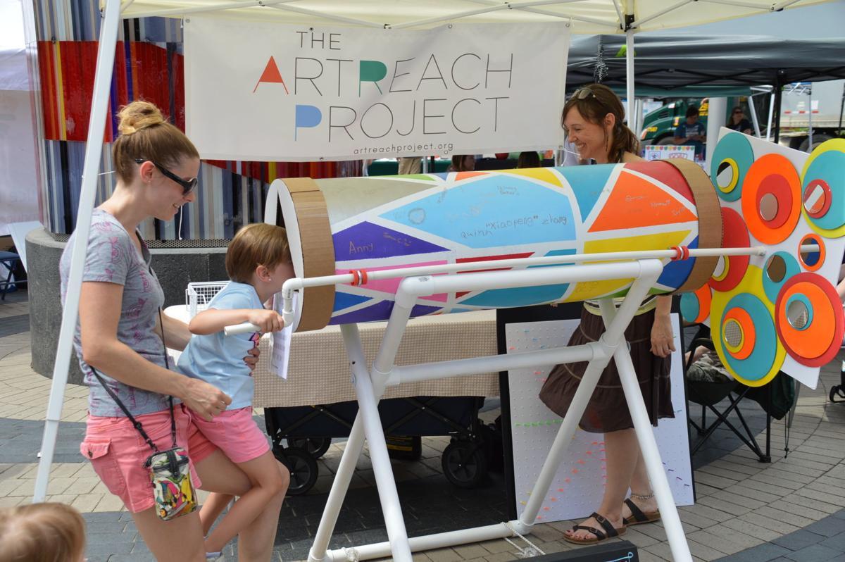 Artreach booth-Sarah Vieth, daughter Kira & Tamara Kaye of Artreach
