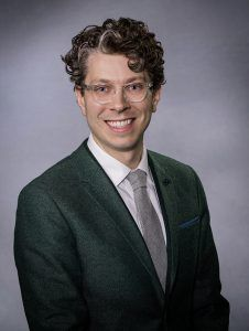 Dr. Stavas