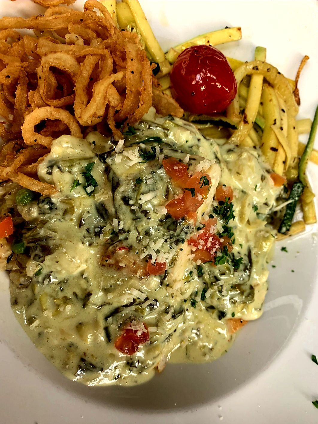 Spinach Artichoke Chicken, one of the Gateau To-Go offerings