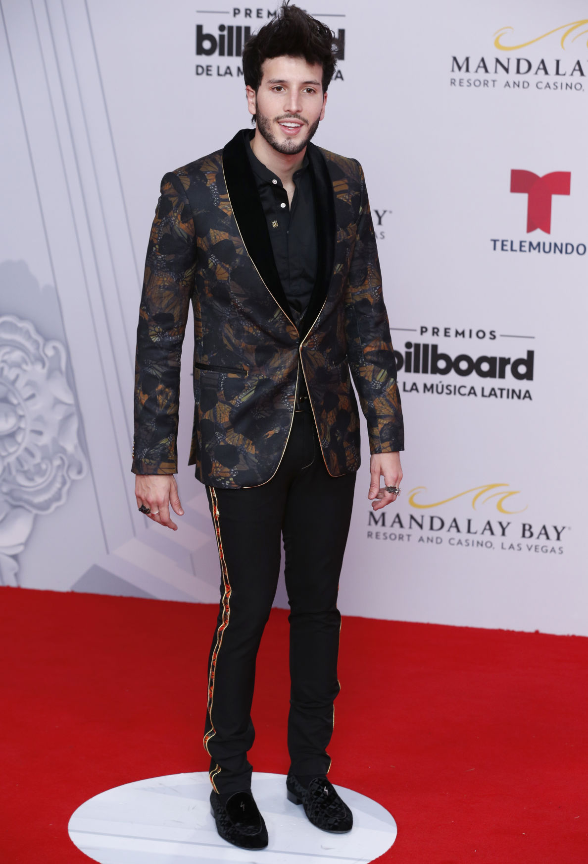 Check Out Some Of The Best Fashion At Billboard Latin Music Awards Journalstar Com