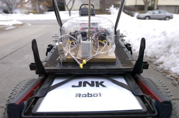 Robot snowblower