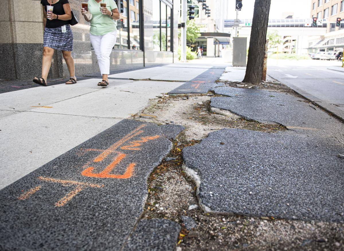 Lincoln Insider: How bad must Lincoln sidewalks be to get