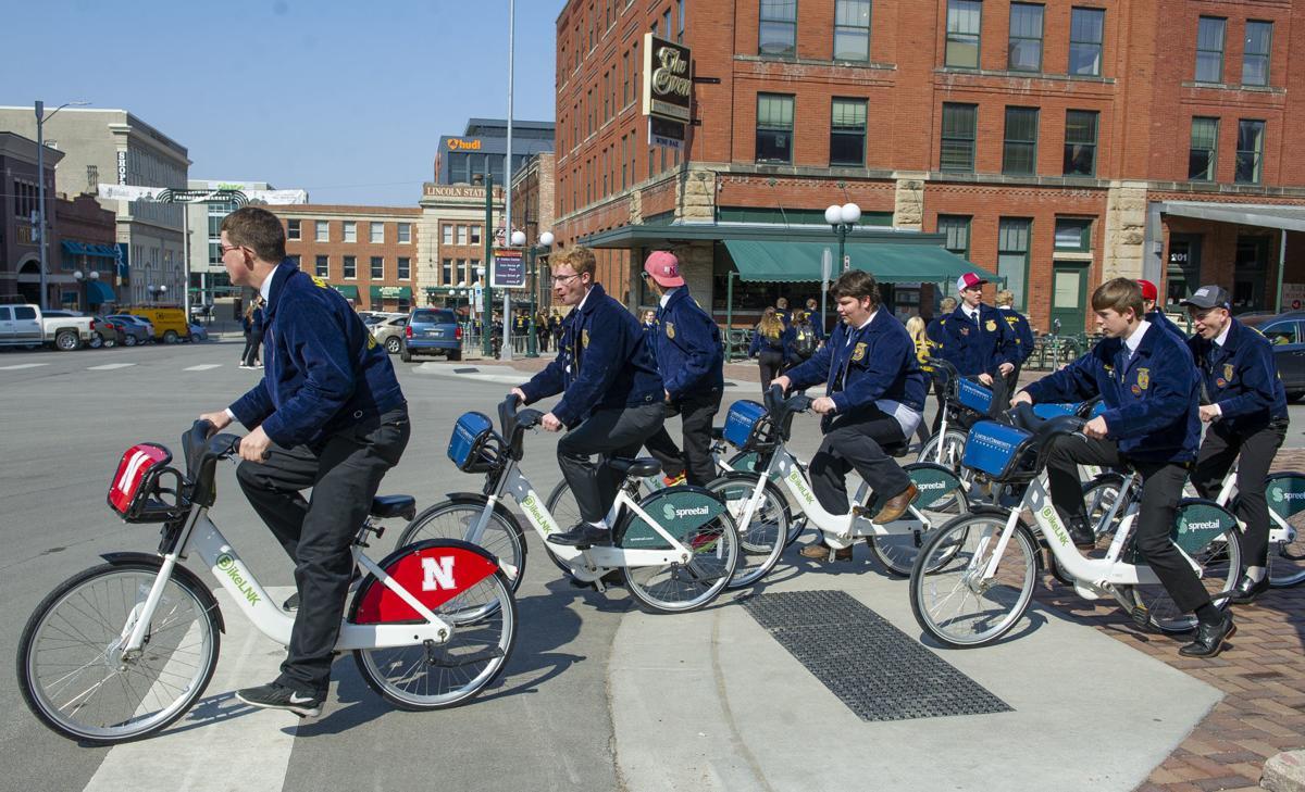 FFA Kids Riding Bikes 4.4
