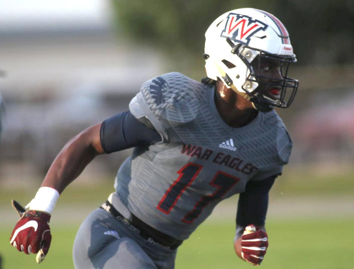 Huskers Strike Twice At LB With Pledges From Four-star