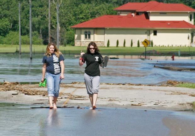 Elkhorn, Platte flooding to ease up