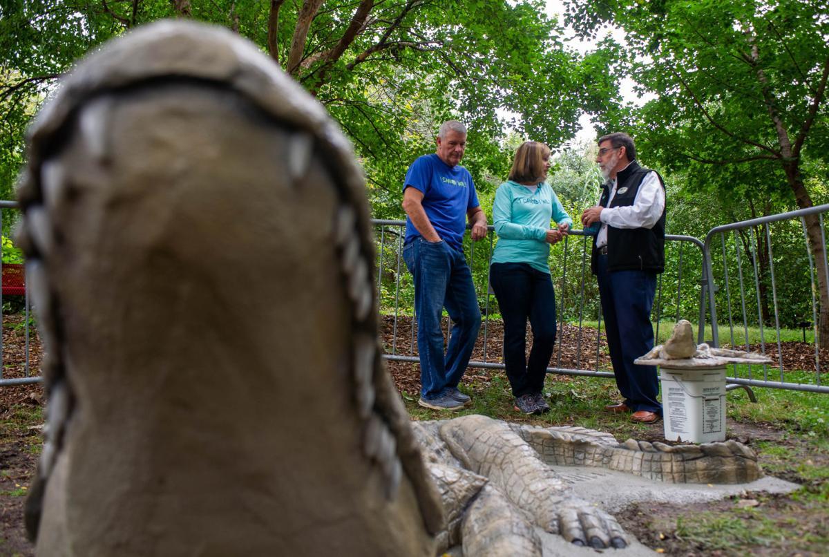 Crocodile sculpture, 10/2