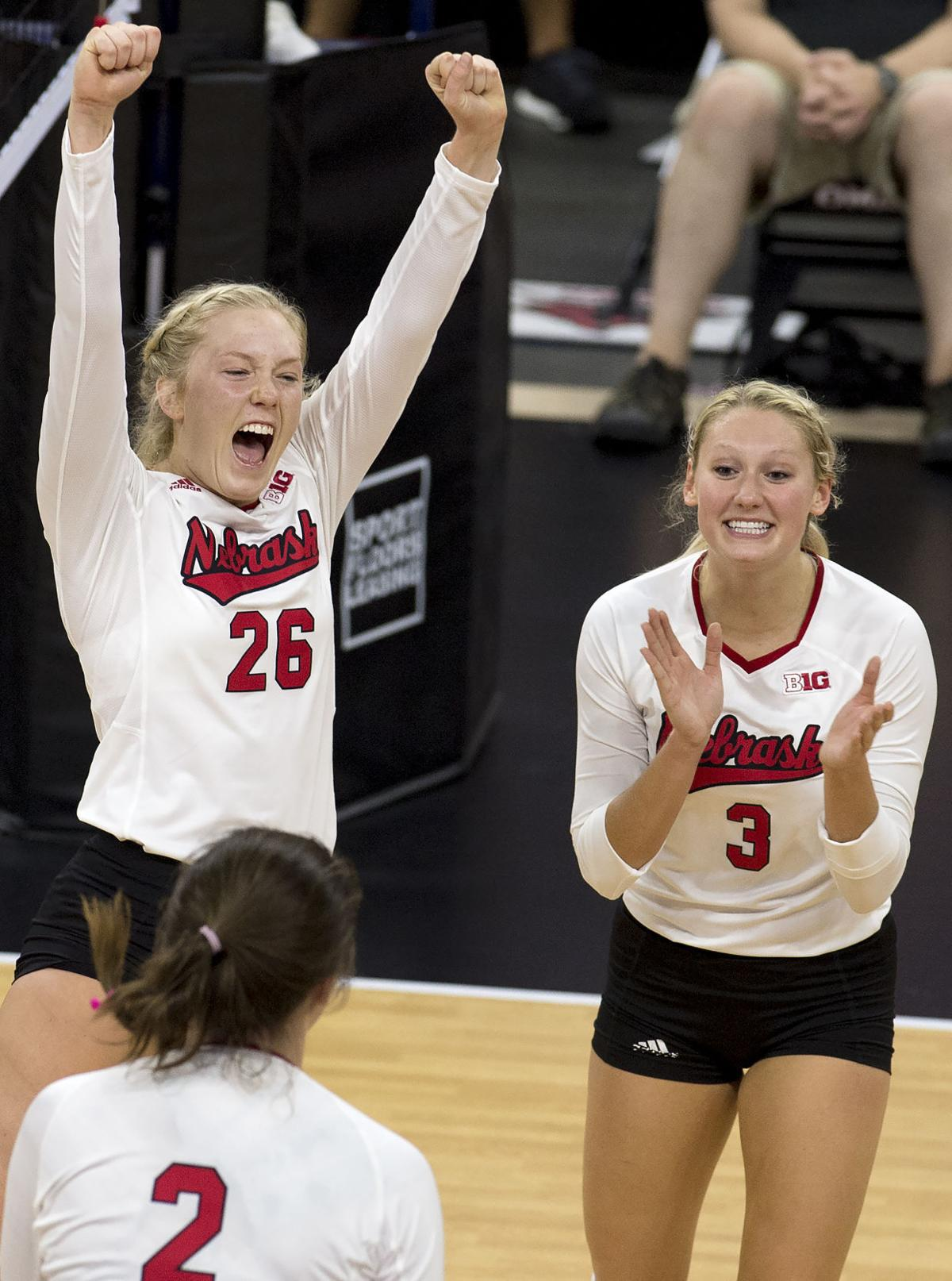 Huskers Have Suffocating Runs In Sweep Of K State Volleyball Journalstar Com