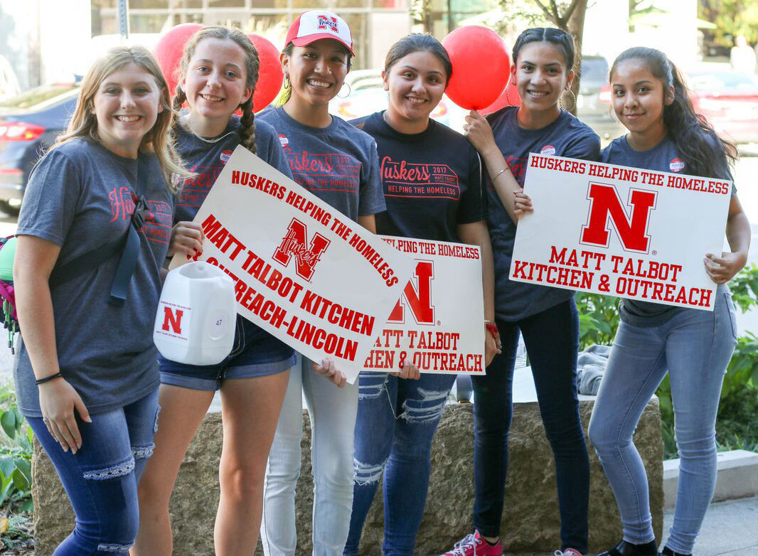 East High students volunteer for Huskers Helping the Homeless