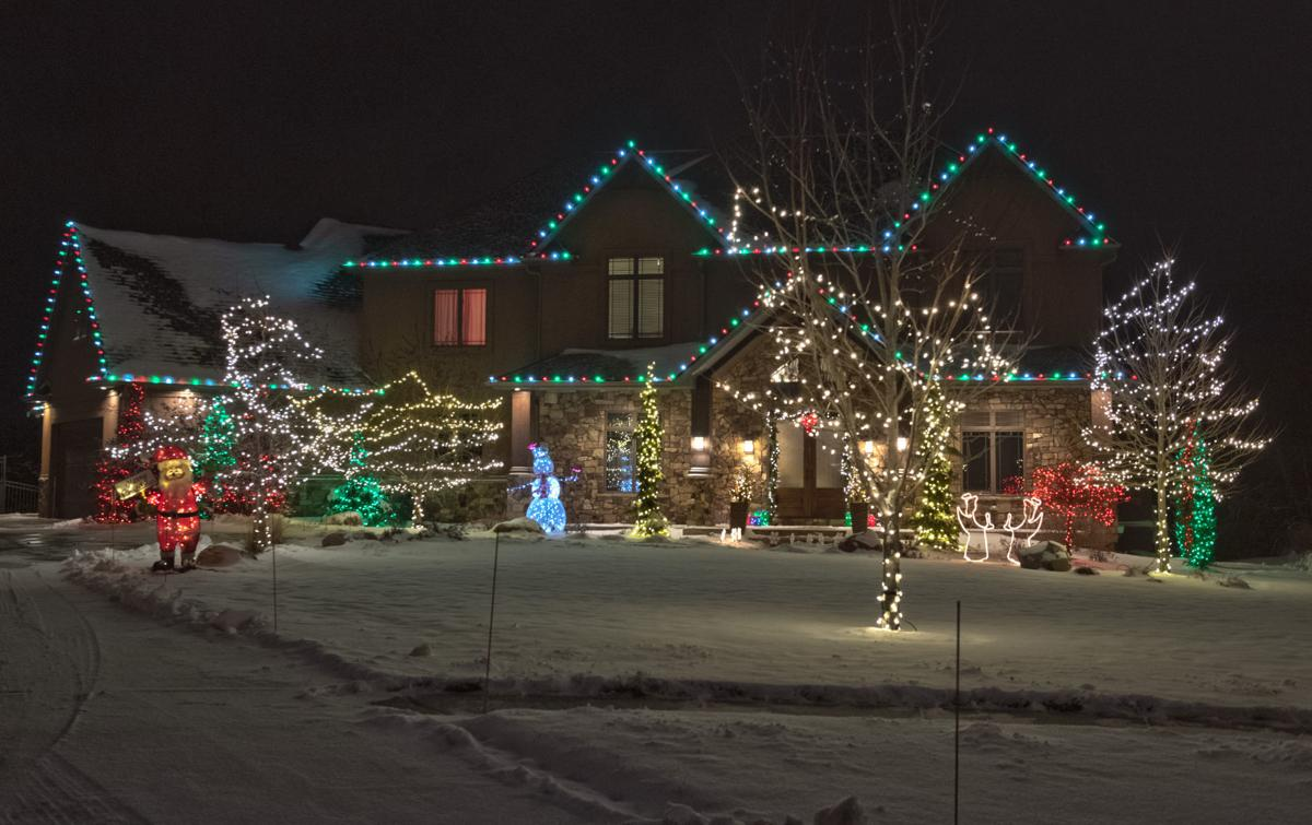 Lincoln Nebraska Christmas Lights 2021 Check Out These Holiday Lights Displays In Lincoln Home Garden Journalstar Com