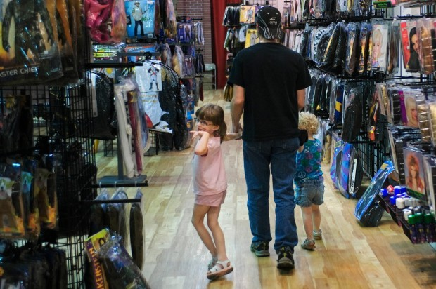 Seasonal Halloween stores keep popping up | Local Business News ...