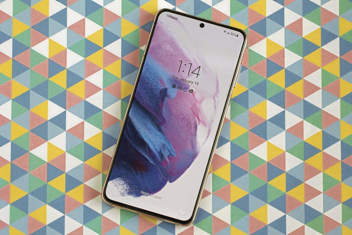PLG-CNET-5G-PHONES-2-MCT