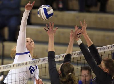 NCAA N Iowa Creighton Volleyball