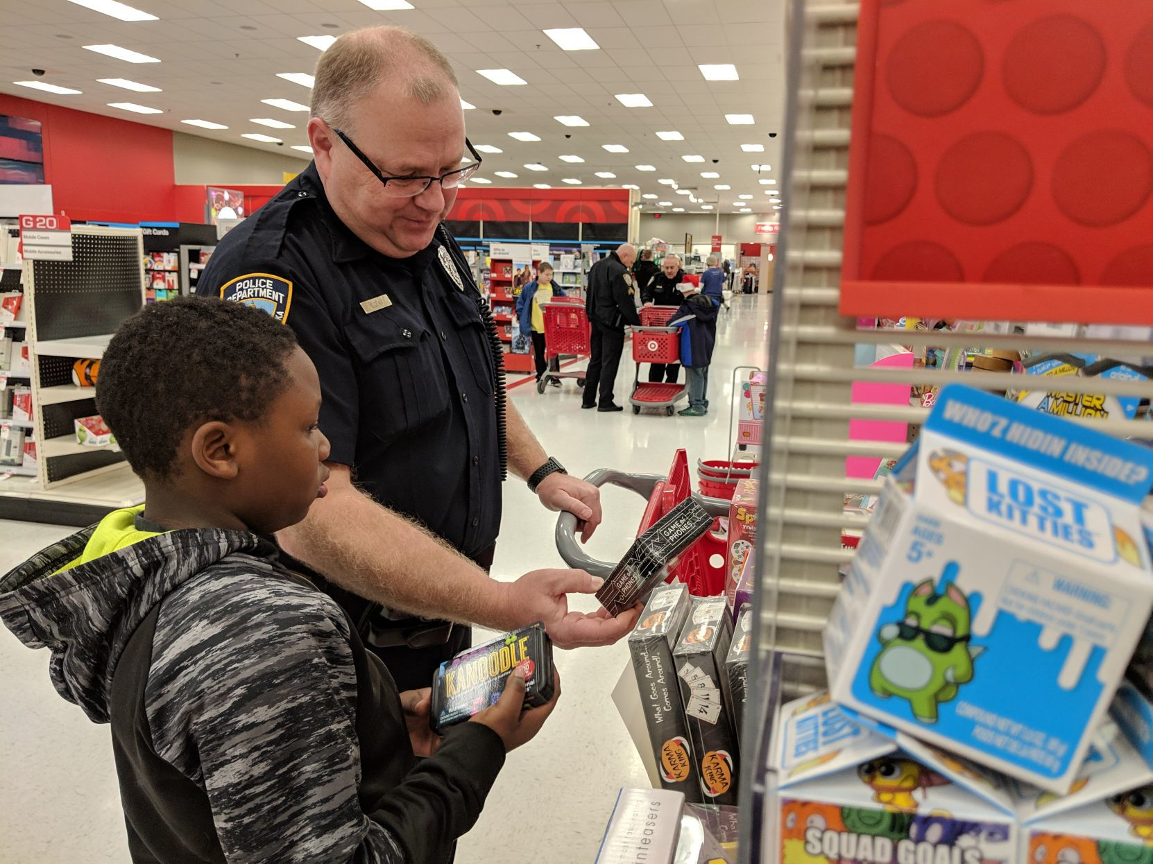 'Shop with a Cop' gives kids chance to spend time with Lincoln police officers | Journal Star