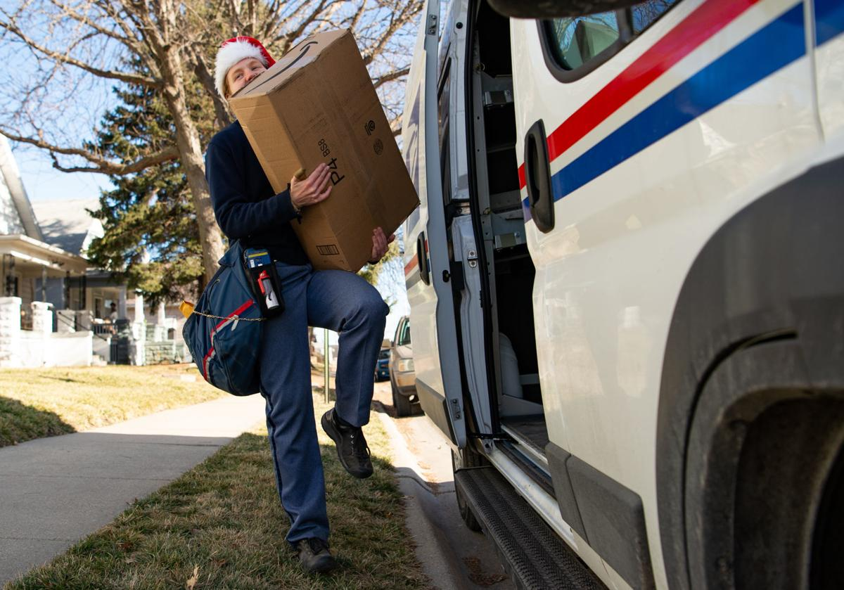 USPS Holiday Deliveries, 12.22